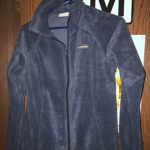 Women's new zip up Columbia jacket size small